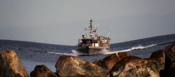 Heavy Boat! by judee