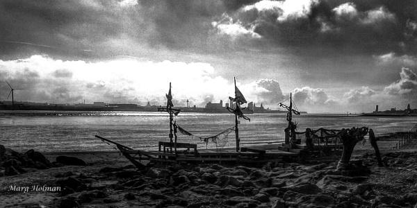 Ship wreck by margymoo