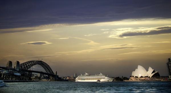 Sydney Harbour by sandwedge
