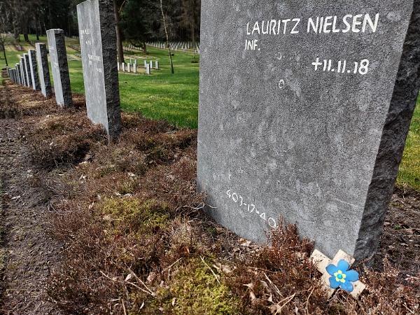 Died on Last Day of WW1 by Zydeco_Joe