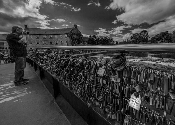 Love locks on Weir bridge Bakewell by esoxlucius