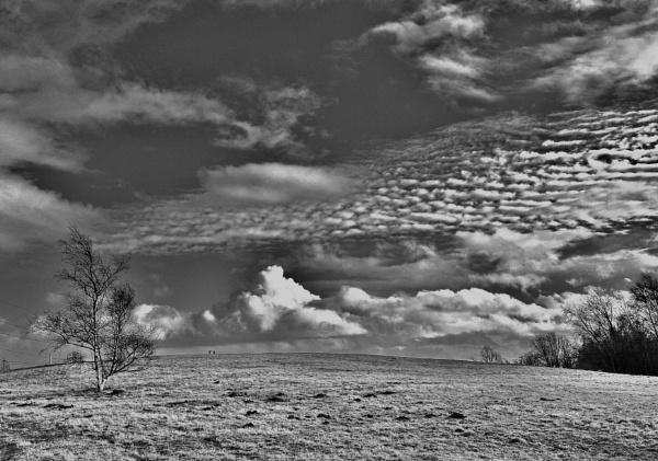 Dramatic sky. by georgiepoolie