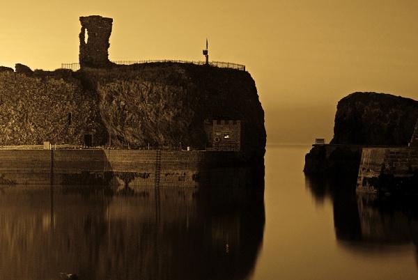 Dunbar Castle by kaybee