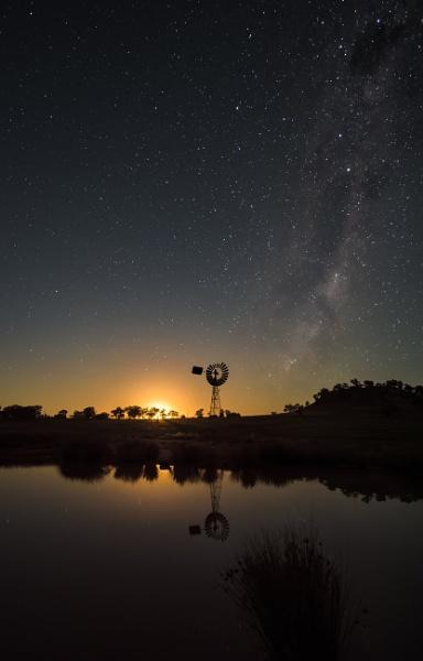 Moonglow, Canowindra, New South Wales by BobinAus
