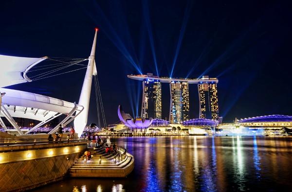 The splendour of Marina Bay Singapore by sawsengee