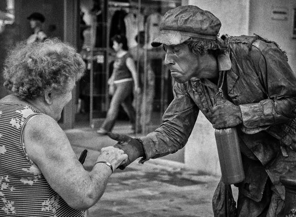 Street Performer by RolandC