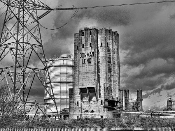 DERELICT STEELWORK BUILDINGS. by kojack
