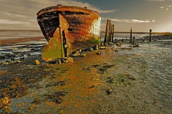 Rising Sun Falling Tide. by johnke