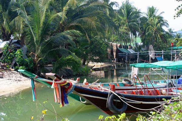 Thai Beach by mikekay