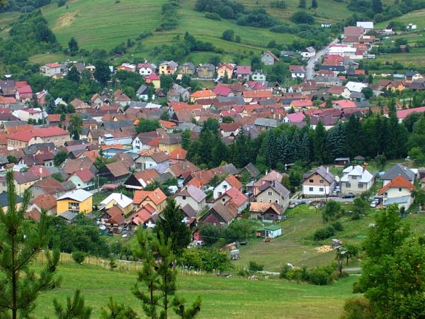 village in the valley by elousteve