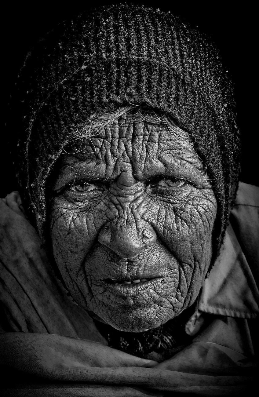 an old woman of Haridwar