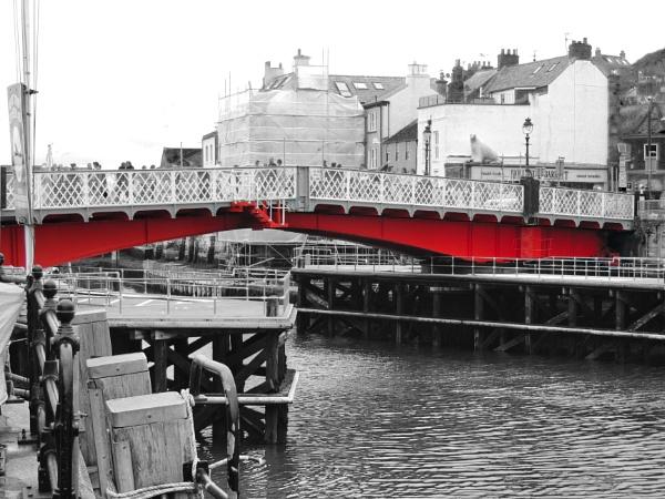 Whitby swing bridge by dflory