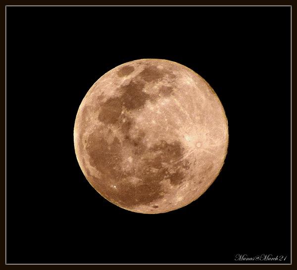 Full moon by Manas