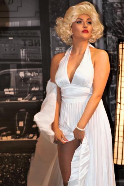 Marilyn by goochian3