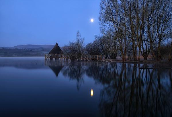Moon Lighting by Buffalo_Tom