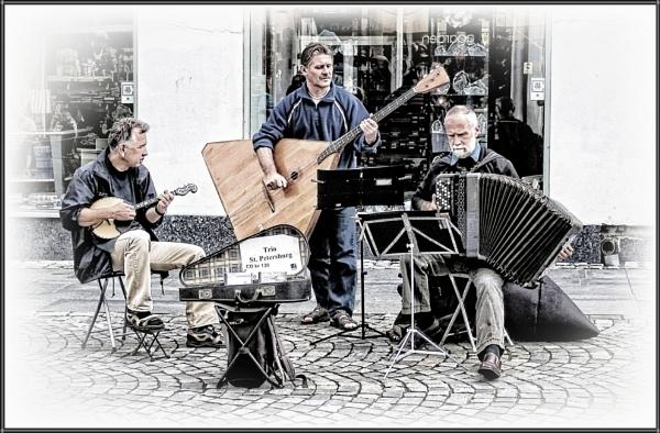 Street Music in Alesund (3) by PhilT2