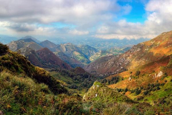 Autumn on the mountain by MAK54