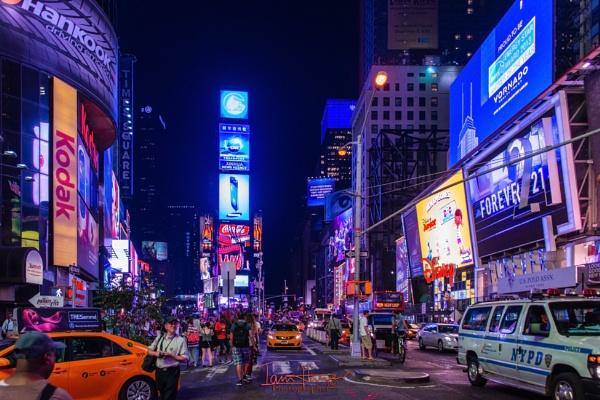 Times Square by IainHamer