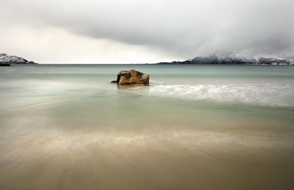 Arctic beach II by L3693