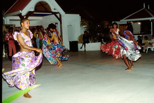sega dancers by derekd