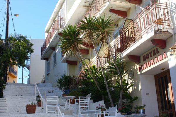 Back street hotel by ddolfelin