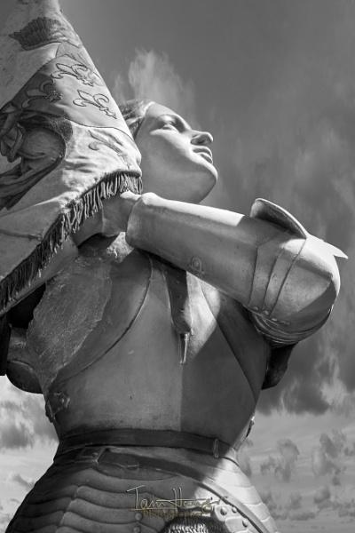 Religious statue by IainHamer