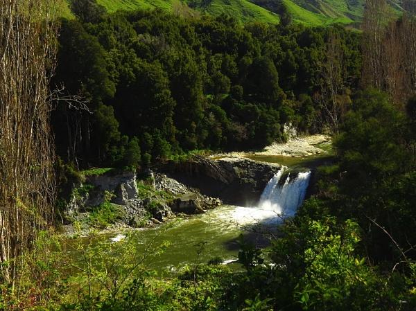 Raukawa Falls 1 by DevilsAdvocate