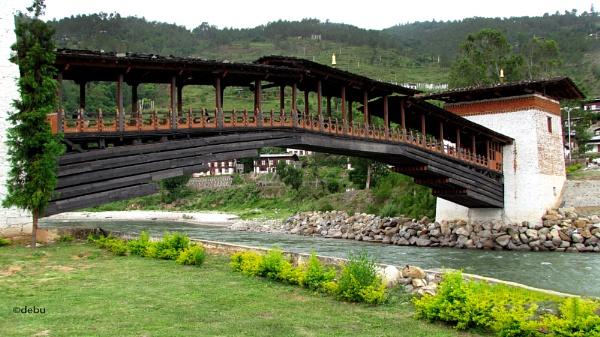 Wooden bridge in Punakha, Bhutan by debu