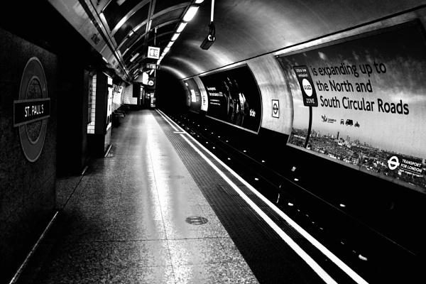 St Pauls Underground by Chriscox