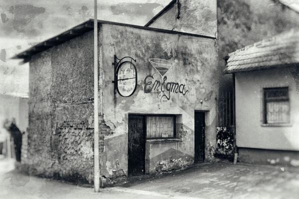 Pub Enigma... by Oxygenum