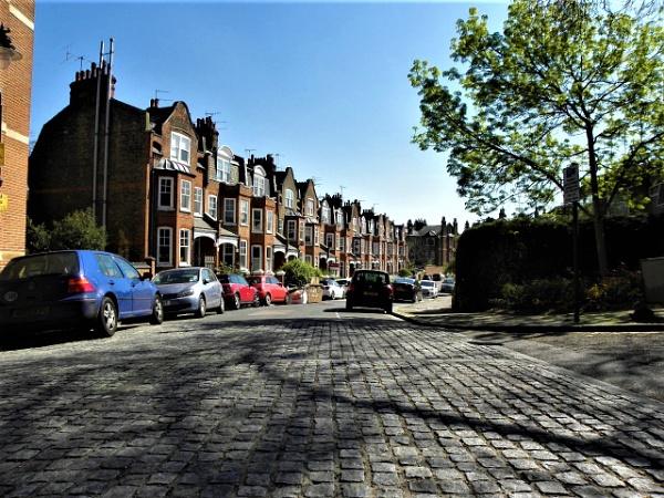 A London street by wsh
