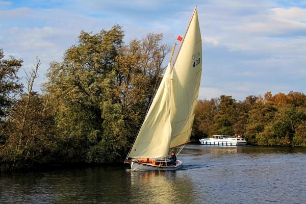 A gentle breeze by Ffynnoncadno