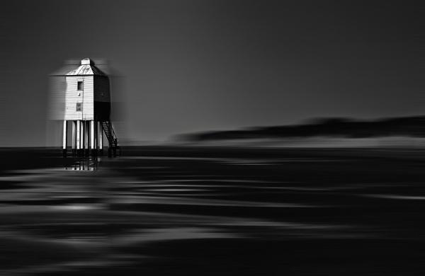 Burnham-On-Sea Lighthouse by squirrels
