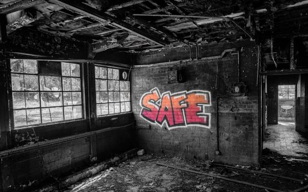 Safe II by jasonrwl