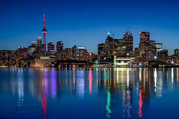 Day & Night of Toronto City by manicam