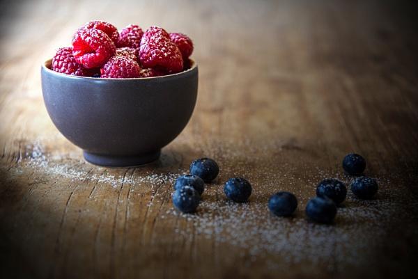 Still life fruit bowl. by scuggy