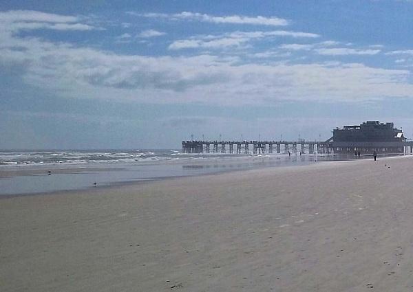 The Daytona Beach Florida Pier...Eat At Joes by Nesto