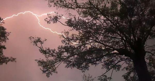 Thunder by GILWAZ