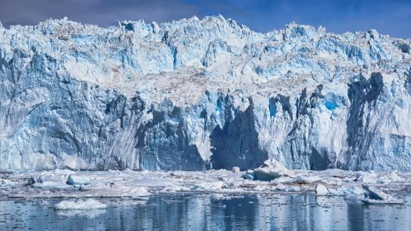 Eqi Glacier by TheURL