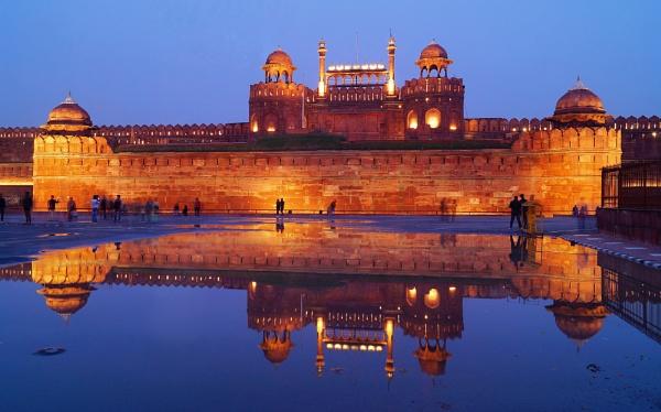 Lal Qila (Red Fort) Delhi by sawsengee