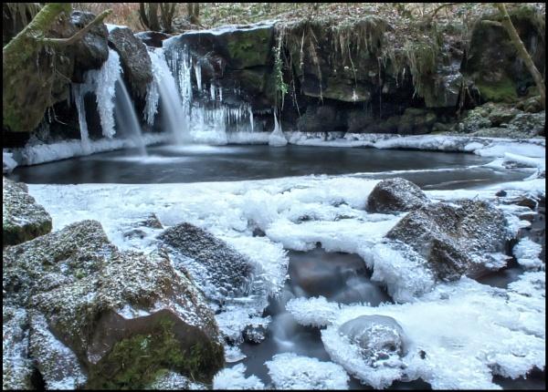 Frozen Garwnant by glyndwr