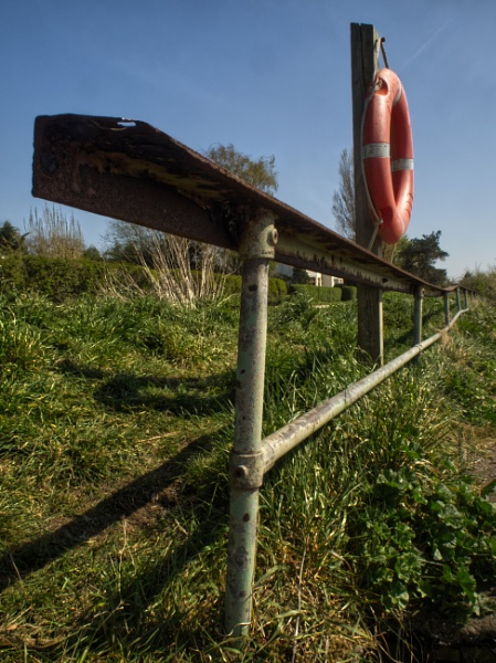 River Dee Rail by ericfaragh