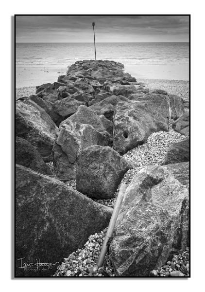 Bognor Beach by IainHamer