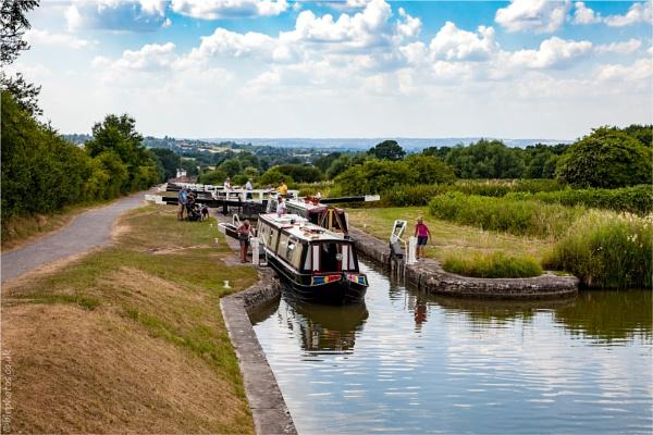 Caen Hill Locks by blrphotos