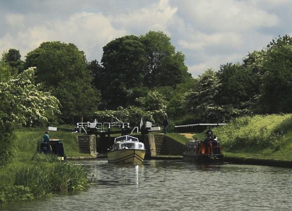 Marsworth Lock by RayVG
