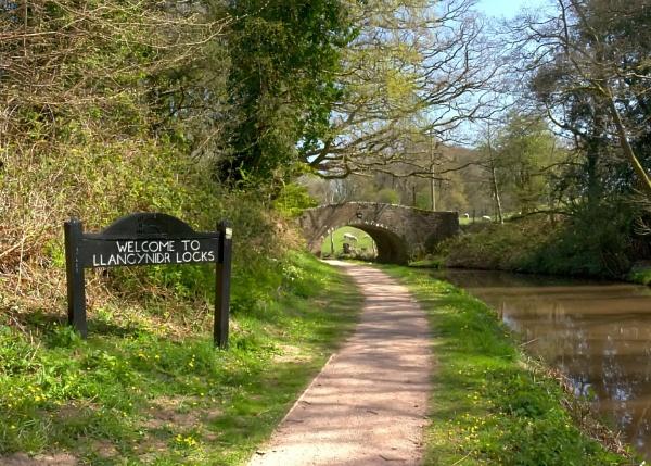 Welcome to Llangynidr Locks by glyndwr