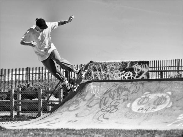 Skateboarding. by franken