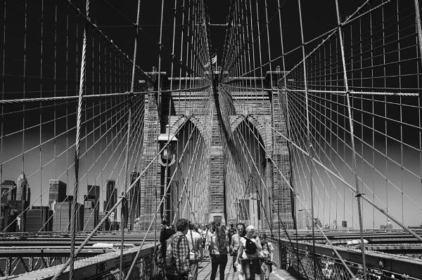 Brooklyn Bridge by scrimmy