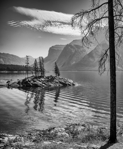 Island on the Lake by RolandC