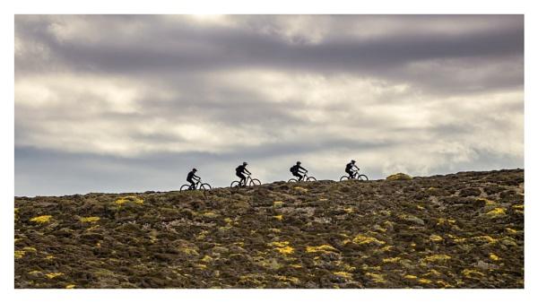 Mountain  Bikers by happysnapper